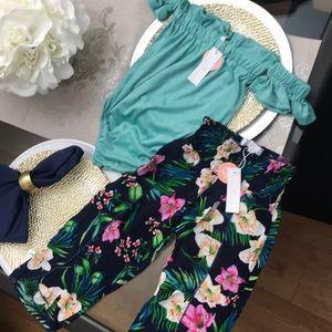 Baileys Blossoms Top and Pants Set NWT